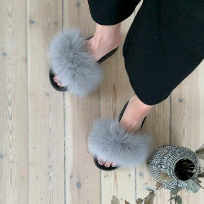 grå pelsslippers